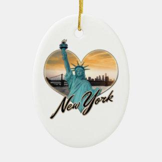 Ornamento De Cerâmica Senhora Liberdade da lembrança da skyline da Nova