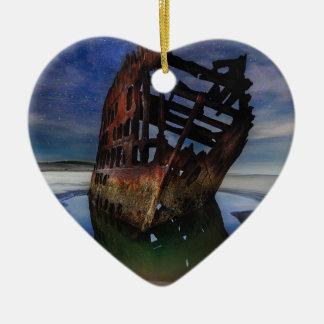 Ornamento De Cerâmica Shipwreck de Peter Iredale sob o céu nocturno