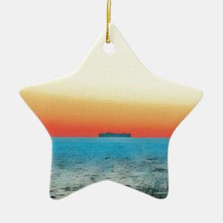 Ornamento De Cerâmica Silhueta artística bonito do navio do Seascape