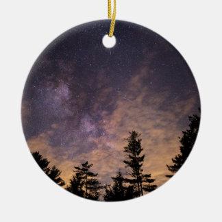 Ornamento De Cerâmica Silhueta das árvores na noite