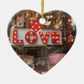 Ornamento De Cerâmica Sinal do coração da janela de loja do dia dos