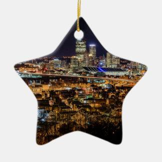 Ornamento De Cerâmica Skyline de Pittsburgh na noite
