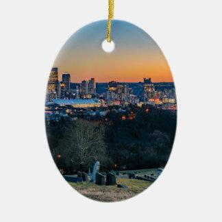 Ornamento De Cerâmica Skyline de Pittsburgh no por do sol