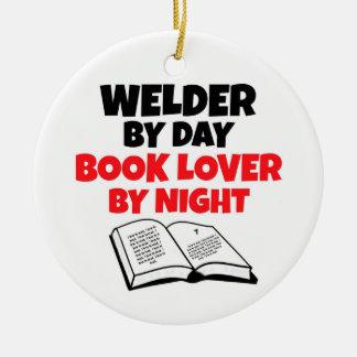 Ornamento De Cerâmica Soldador pelo amante de livro do dia em a noite