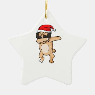 Ornamento De Cerâmica Solha bonito do cão com o t-shirt de Chrismas do