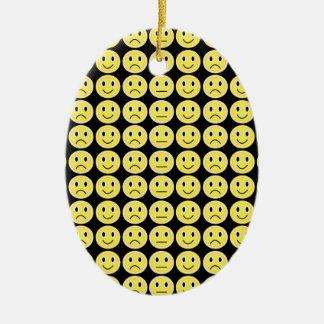 Ornamento De Cerâmica Sorrisos do amarelo