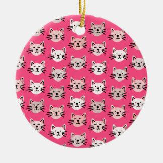 Ornamento De Cerâmica Teste padrão bonito do gato no rosa
