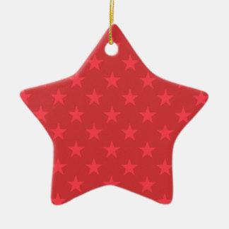 Ornamento De Cerâmica Teste padrão de estrelas vermelho do Natal