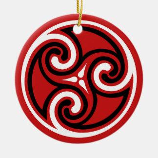 Ornamento De Cerâmica Teste padrão de Triskele do céltico, vermelho,