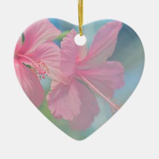 Ornamento De Cerâmica Tiro macro macio de flores cor-de-rosa do hibiscus
