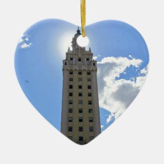 Ornamento De Cerâmica Torre cubana da liberdade em Miami 4