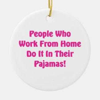 Ornamento De Cerâmica Trabalho em casa em seus pijamas