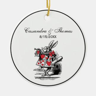 Ornamento De Cerâmica Trompetista branca Alice da corte do coelho no