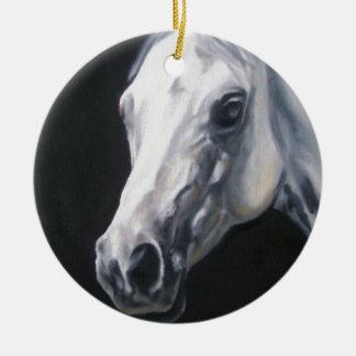 Ornamento De Cerâmica Um cavalo branco