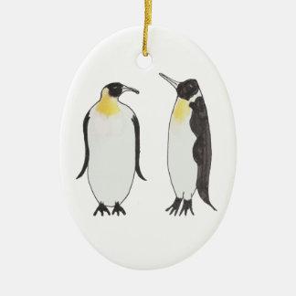 Ornamento De Cerâmica Um desenho da tinta do casal do pinguim