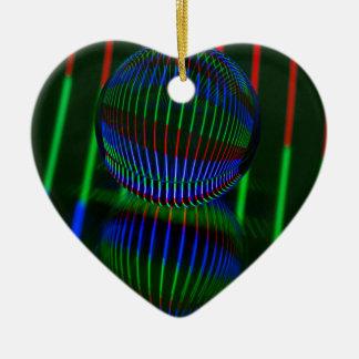 Ornamento De Cerâmica Vermelho, verde, azul na bola de cristal