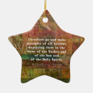 Ornamento De Cerâmica Verso da bíblia do 28:19 de Matthew