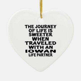 Ornamento De Cerâmica Viajado com um sócio da vida de Iowan