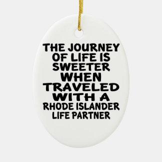 Ornamento De Cerâmica Viajado com um sócio da vida do insular de Rhode