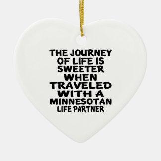 Ornamento De Cerâmica Viajado com um sócio da vida do Minnesotan