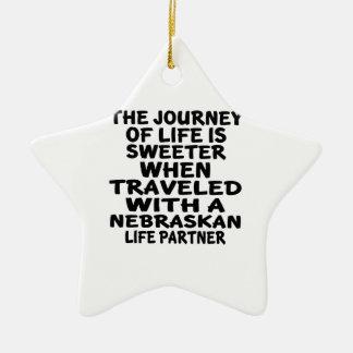 Ornamento De Cerâmica Viajado com um sócio da vida do Nebraskan