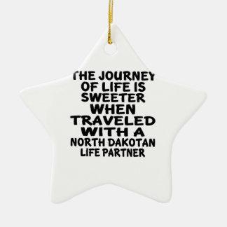 Ornamento De Cerâmica Viajado com um sócio Dakotan norte da vida