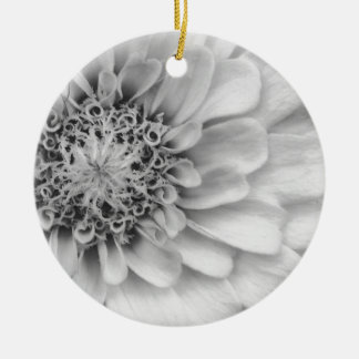 Ornamento De Cerâmica Zinnia monocromático