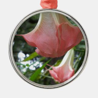 Ornamento De Metal 2 flores de trombeta cor-de-rosa dos anjos