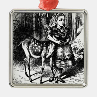 Ornamento De Metal Alice e uma jovem corça