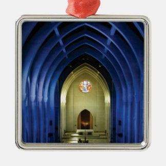 Ornamento De Metal Arcos na igreja azul