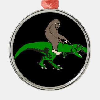 Ornamento De Metal Bigfoot que monta T Rex