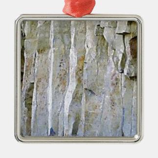 Ornamento De Metal Coluna branca estreita da rocha