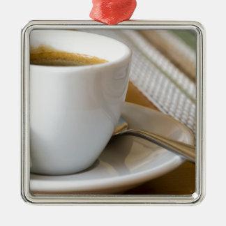 Ornamento De Metal Copo pequeno do café em uns pires com açúcar