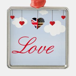 Ornamento De Metal Corações americanos britânicos do amor nas nuvens