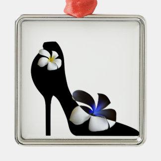 Ornamento De Metal Elegante preto alto-colocou saltos calçados.
