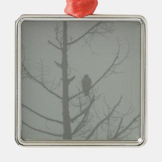 Ornamento De Metal Falcão na névoa