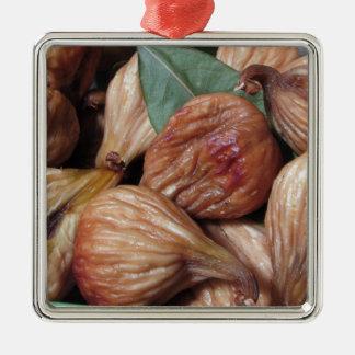 Ornamento De Metal Frutas do outono. Close up de figos secados com
