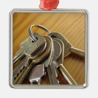 Ornamento De Metal Grupo de chaves gastas da casa na mesa de madeira