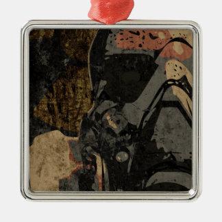 Ornamento De Metal Homem com máscara protetora na placa de metal