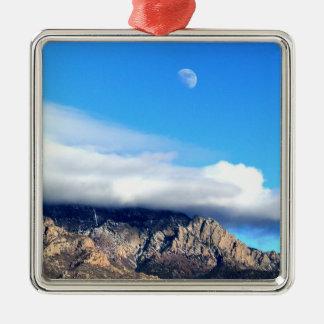 Ornamento De Metal Lua e nuvens sobre Sandias