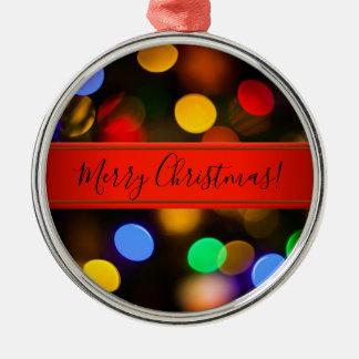 Ornamento De Metal Luzes de Natal coloridos. Adicione o texto ou