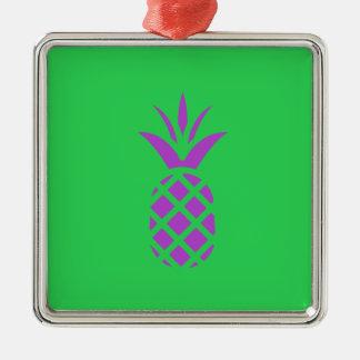 Ornamento De Metal Maçã roxa do pinho no verde