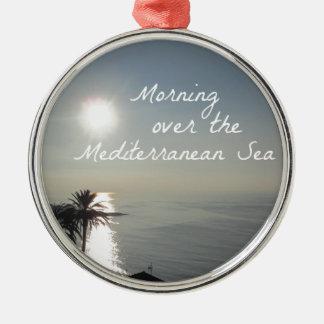Ornamento De Metal Manhã sobre o mar Mediterrâneo