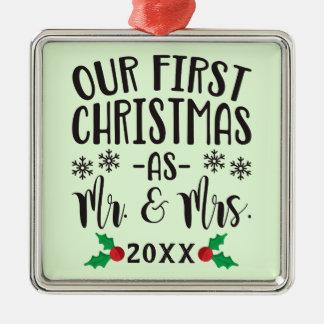 Ornamento De Metal Nosso primeiro Natal como o Sr. e a Sra. Newlywed