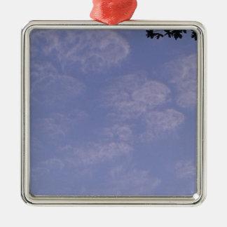 Ornamento De Metal Nuvens estranhas 1