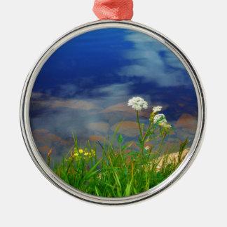 Ornamento De Metal O laço da rainha Ann floresce, lago azul da