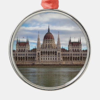 Ornamento De Metal O parlamento húngaro Budapest em o dia