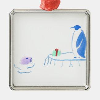 Ornamento De Metal O pinguim dá a selo um presente