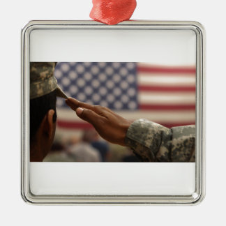 Ornamento De Metal O soldado sauda a bandeira dos Estados Unidos