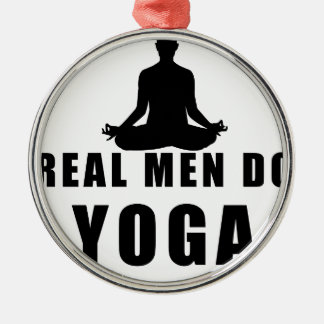 Ornamento De Metal os homens reais fazem a ioga